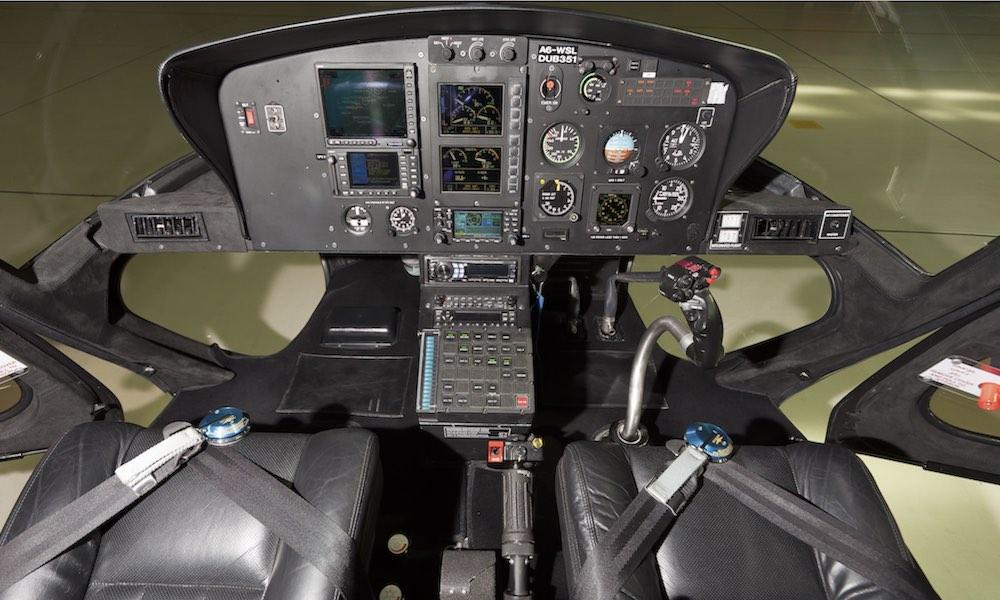 Dubai Helicopter Tours, Cockpit